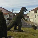 Dinosaur in roundabout (StreetView)