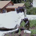 Sculpture in roundabout (StreetView)