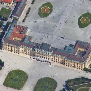 Schönbrunn Palace (Google Maps)