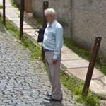 Curious look (StreetView)