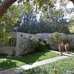 'Schmidt House' by Richard Neutra (StreetView)