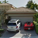 Mercedes-Benz GL450 and Ferrari 360 Spider (StreetView)