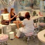 Lace Nail and Beauty Lab (StreetView)