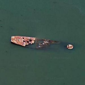 Richmond CA shipwreck (Google Maps)