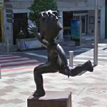 Niño corriendo by Juan Ripollés (StreetView)
