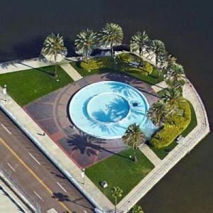 Bayfront Center Fountain (Google Maps)