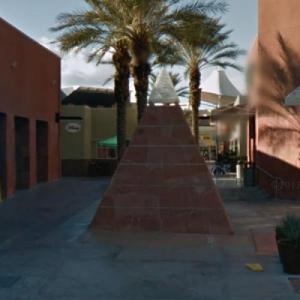 Pyramid Fountain (StreetView)