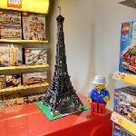Lego Eiffel Tower (StreetView)