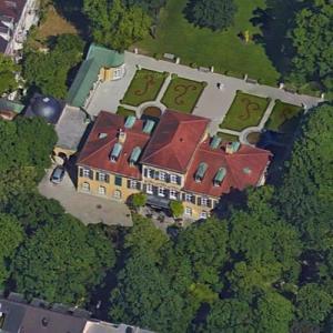 Suresnes Palace (Google Maps)