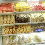 Carlo's Bake Shop (StreetView)