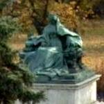 Statue of Queen Elizabeth (Sissy) (StreetView)