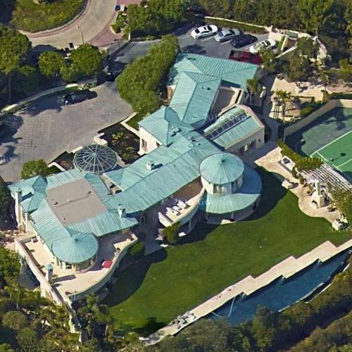 Sumner Redstone's House In Beverly Hills, CA