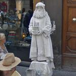 Living statue (StreetView)