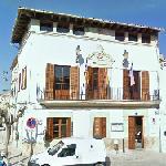 Búger Town Hall (StreetView)