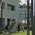 Robot scuplture (StreetView)