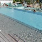 Infinity edge pool (StreetView)