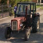 Tractor (StreetView)