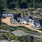 Rumored Maylasian Royal Family's House (Google Maps)