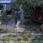 Penny farthing sculpture (StreetView)