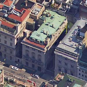 "Michael Douglas & Gwyneth Paltrow's House in ""A Perfect Murder"" (Google Maps)"