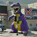 Giant purple dinosaur (StreetView)
