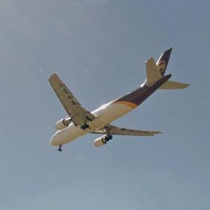 UPS Airlines Landing (StreetView)
