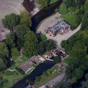 Kate Bush's House (Google Maps)