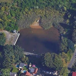 Abandoned Pool (Google Maps)