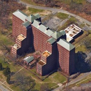 Abandoned Kings Park Psychiatric Center (Google Maps)