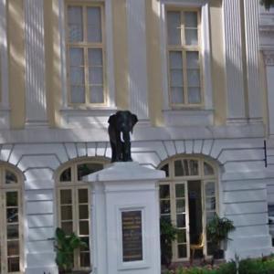 Bronze elephant statue (StreetView)