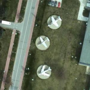 Aircraft exhibition (Google Maps)
