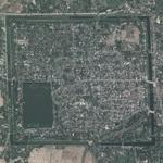 Moated city (Google Maps)