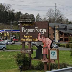 Welcome to Pigeon Forge (StreetView)