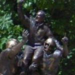 Ara Parseghian statue