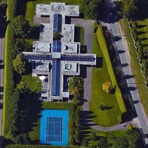 Lorne Segal's House (Google Maps)