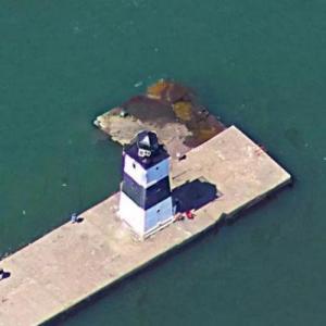 Erie Harbor North Pier Light (Google Maps)