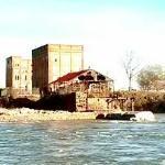 Remnants of City Mills Dam (StreetView)