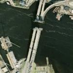 Open drawbridge (historical imagery) (Google Maps)