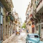 Havana street and El Capitolio (StreetView)