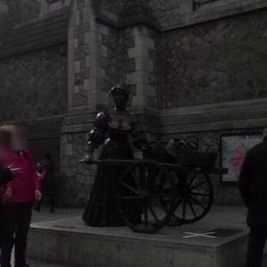 Molly Malone Statue (Sufolk Street) (StreetView)