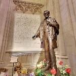 Abraham Lincoln Statue in the Washington National Cathedral by Walter Hancock (StreetView)