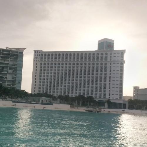 Hotel Riu Cancun (StreetView)