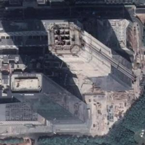 Shum Yip Upperhills Towers under construction (Google Maps)