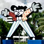 'Mr. Welcome' by Romero Britto (StreetView)