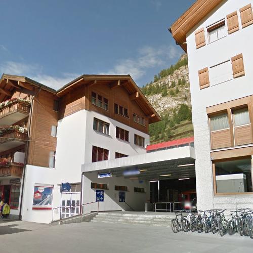 Zermatt railway station (StreetView)