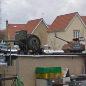 Two old cannons (StreetView)