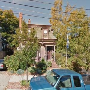 Lydia Pinkham House (StreetView)