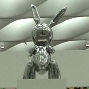 'Rabbit' by Jeff Koons (StreetView)