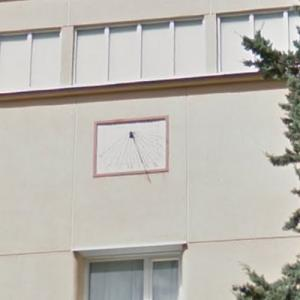 Sundial of Clinica Tambre (StreetView)