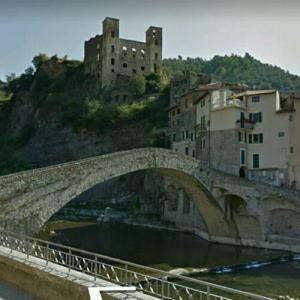 Dolceacqua bridge (StreetView)
